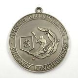 El cliente del metal se divierte la medalla con oro del laminado