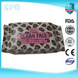 クリーニングのぬれたタオルを除去する敏感な顔の構成