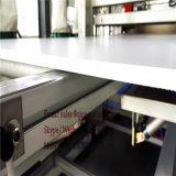 Ligne en plastique en bois machine d'extrusion de panneau d'étage d'extrusion de couche de base de panneau d'étage de PVC
