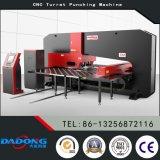 Prezzo idraulico pesante speciale della macchina per forare di CNC del piatto d'acciaio da Dadong