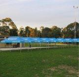La stampa schiocca in su la tenda per uso di evento