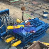유압 금속 조각은 철 짐짝으로 만들 압박 기계를 위한 기계 쓰레기 압축 분쇄기를 재생한다