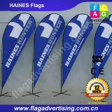 Abitudine che fa pubblicità alle bandierine dell'aletta della spiaggia per la promozione esterna