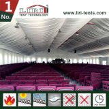 Grande tenda della chiesa delle 3000 genti per funzione religiosa in Nigeria