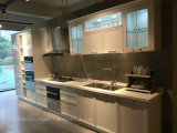 Weißer moderner Entwurf einfach, Lack-Küche-Schrank zu säubern