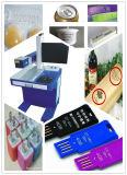 Logo en métal, code, noms d'étiquette marquant l'inscription de laser de fibre et la machine de gravure sur l'iPhone/Apple