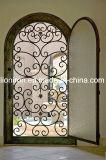 Disegni interni ornamentali su ordinazione del portello della griglia del ferro saldato