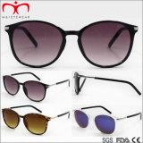 Óculos de sol plásticos da forma nova com decoração do metal (WSP705867)