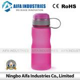 Пластичная прессформа бутылки воды с по-разному цветами