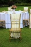 Cadeira branca de Chiavari da resina