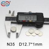 Runder Neodym-Magnet des Grad-N35 mit anhaftendem Schutzträger