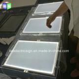 Techo que cuelga el rectángulo ligero delgado cristalino de acrílico del LED para la ventana de visualización de suelo