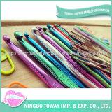 Ganchos de leva de ganchillo de aluminio multicolores del kit popular de las agujas que hacen punto
