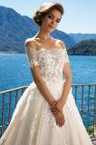 Vestidos de casamento da princesa Multilayer de Kristina com Fishbone