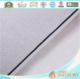 Caliente venta blanco puros algodón almohada protector en relieve almohadilla cubierta