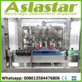 Do líquido Carbonated automático das bebidas do aço inoxidável máquina de enchimento de colocação em latas da selagem