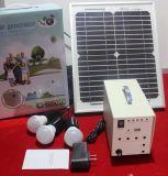Niedriger Panel-Energien-Energie-Beleuchtung-Installationssatz des Preis-10W beweglicher Solar-PV