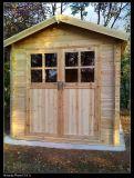 Chambre en bois extérieure d'enfants