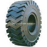 Harter Gummi-Reifen