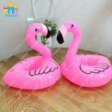 Finego aufblasbarer Belüftung-sich hin- und herbewegender Flamingo-Flaschen-Cup-Zahnstangen-Halter