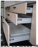 Moderner hoher glatter Farbanstrich-Küche-Schrank