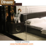 生きている現代贅沢で高貴なベッドを満たしなさい