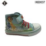 子供の注入のスポーツの注入Outsoleが付いている歩くズック靴