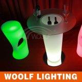 現代デザイン熱い販売LEDのバースツールLEDはLEDのバースツールをつける
