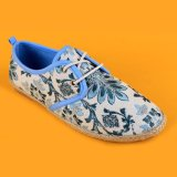 Печатание цветка холстины женщин причинное шнурует вверх голубые и белые ботинки Espadrilles