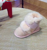 本物のオーストラリアの羊皮の赤ん坊の摩耗の幼児の靴