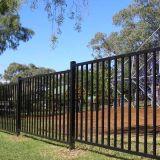 競争価格の庭で使用されるFlat-Topさびない防御フェンス