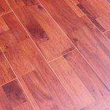 高品質の積層のフロアーリングによって薄板にされる床AC4