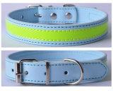 De eenvoudige Halsband van het Leer van het Ontwerp In het groot Zachte Opgevulde, Bling Geparelde Halsband