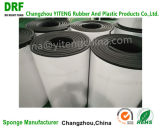 Feuilles de la Fermé-Cellule NBR&PVC, NBR Rolls avec l'adhésif, mousse de NBR&PVC pour des pièces d'auto