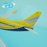 Самолет пластмассы маштаба модели 1/200 B737-700 1/200 16cm