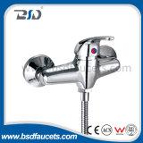 Robinet en laiton de bassin de poignée de salle de bains de chute d'eau de chrome de mélangeur simple d'évier