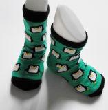 2015 nuevos calcetines del bebé del estilo