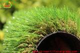 Jardim natural com relva artificial com jardim natural para quintal