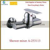 Misturador de bronze fixado na parede da água do dissipador de cozinha dos mercadorias sanitários