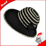 Неповоротливый шлем с шлемом женщины Bowknot