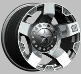 Lo sport di SUV 4X4 che corre la lega i cerchioni