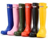 Новые ботинки дождя PVC способа девушок ботинок дождя женщин сплошного цвета конструкции