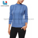 Suéter de moda de las mujeres que hace punto con el modelo hermoso