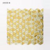 A decoração luxuosa da parede do banheiro do ouro telha o mosaico de cristal do vidro manchado