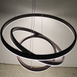Runde dekorative Aluminiumacrylspur-hängende Lampe der kugel-drei