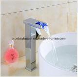 Neuer Toilette-Bassin-Wannen-Hahn des Qualitäts-Wasserfall-LED