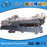 Los gránulos del PVC de la eficacia alta que reciclan el estirador de tornillo gemelo