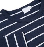 T-shirt rayé noir et blanc du coton des hommes
