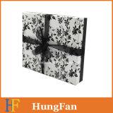 Rectángulos de papel del conjunto de la estructura simple para la ropa