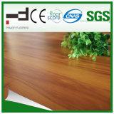 plancher stratifié en bois de foulage Main-Gratté par HDF de chêne de 12mm Brown